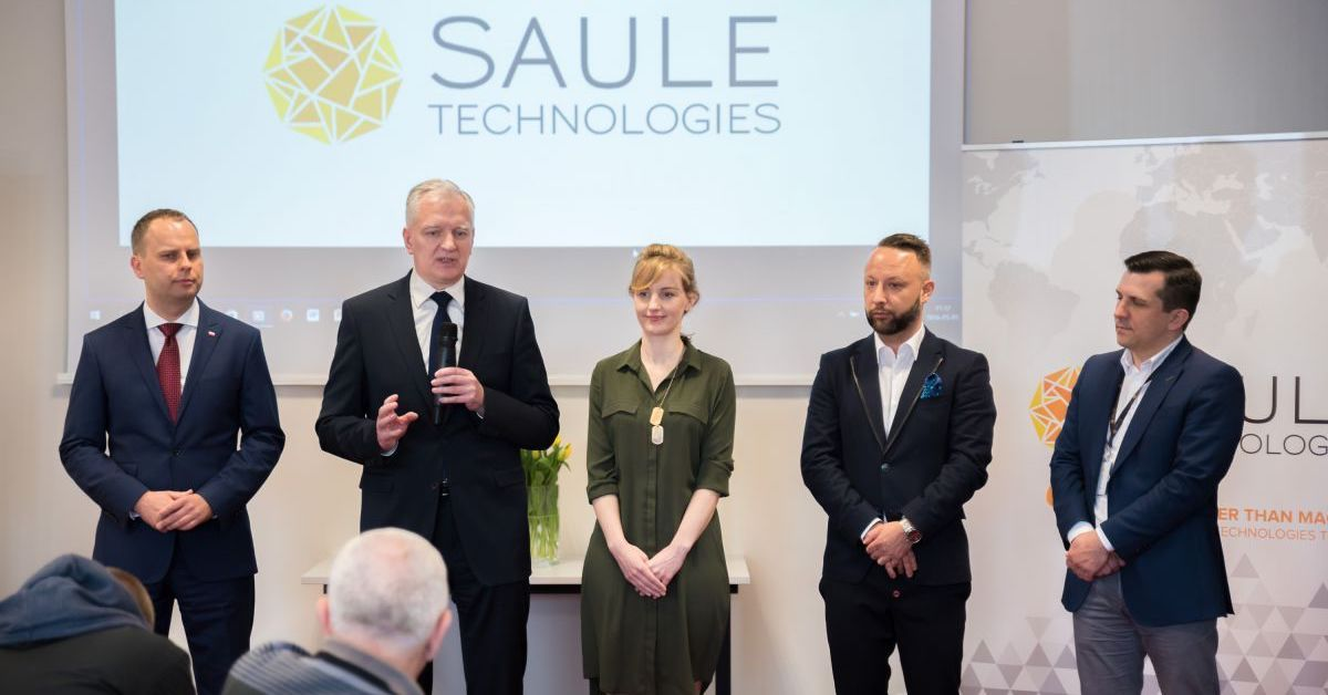 Deputy Prime Minister of Poland Jaroław Gowin visits Saule Technologies' laboratories