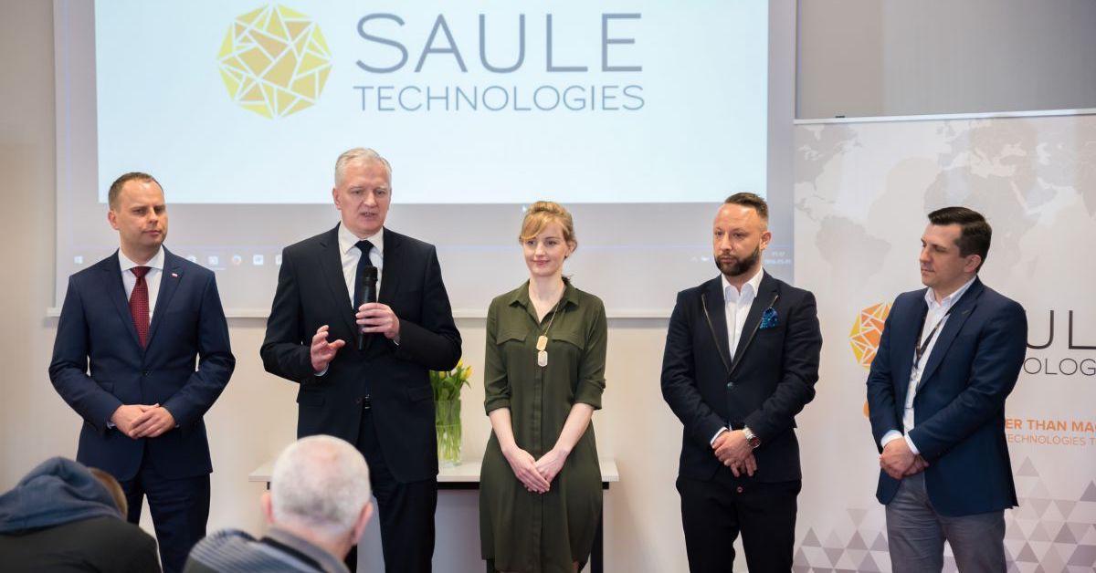 Deputy Prime Minister of Poland Jaroslaw Gowin visits Saule Technologies' laboratories