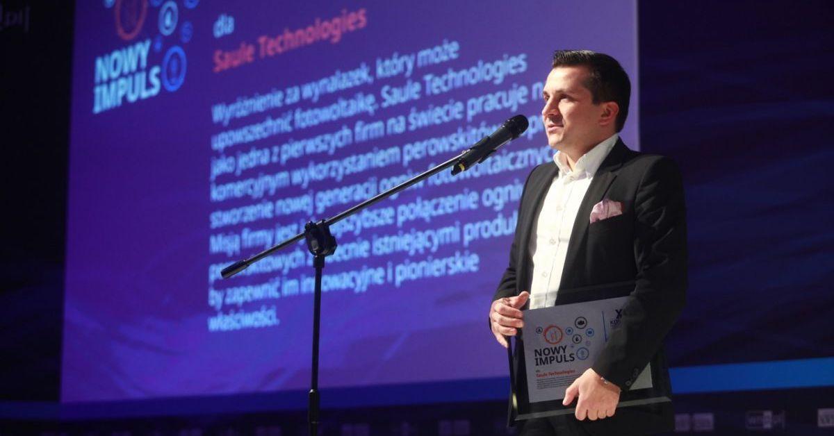 "Artur Kupczunas with the ""New Impulse"" 2015 award"